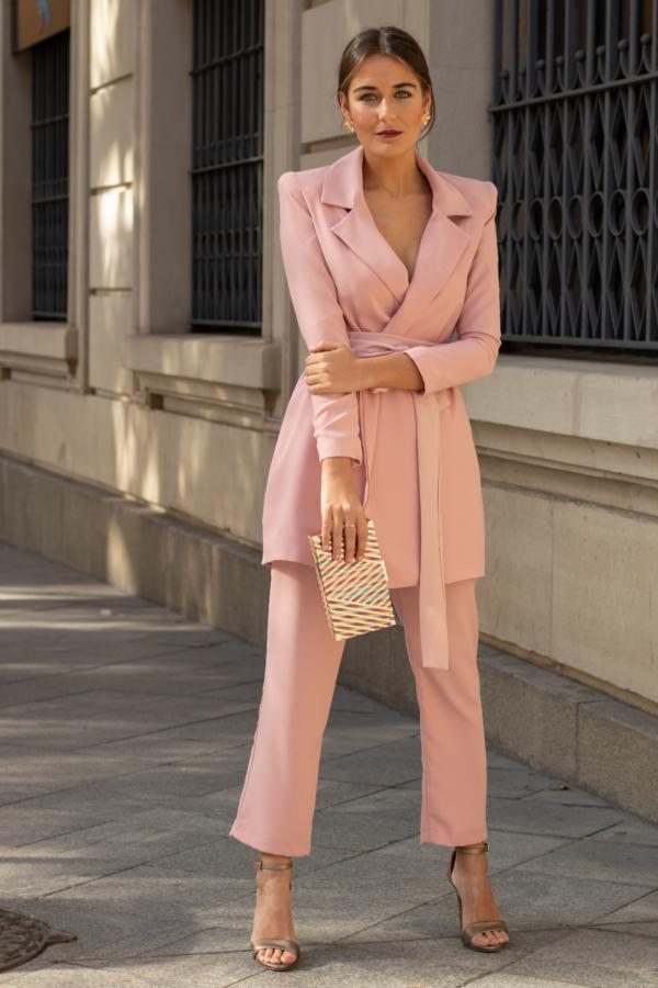 Traje Chaueta rosa con lazada